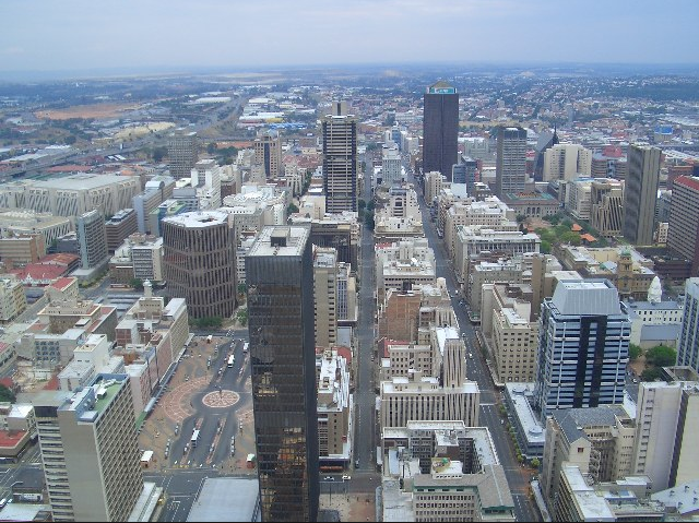 The City of Johannesburg, whose environmental policy innovations include an integrated waste management plan that covers all relevant environmental legislation, has been named the country's most environment-friendly metropolitan municipality in the Department of Environmental Affairs' (DEA's) fourth Greenest Municipality Competition (GMC).