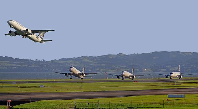 aircraft-122994_640