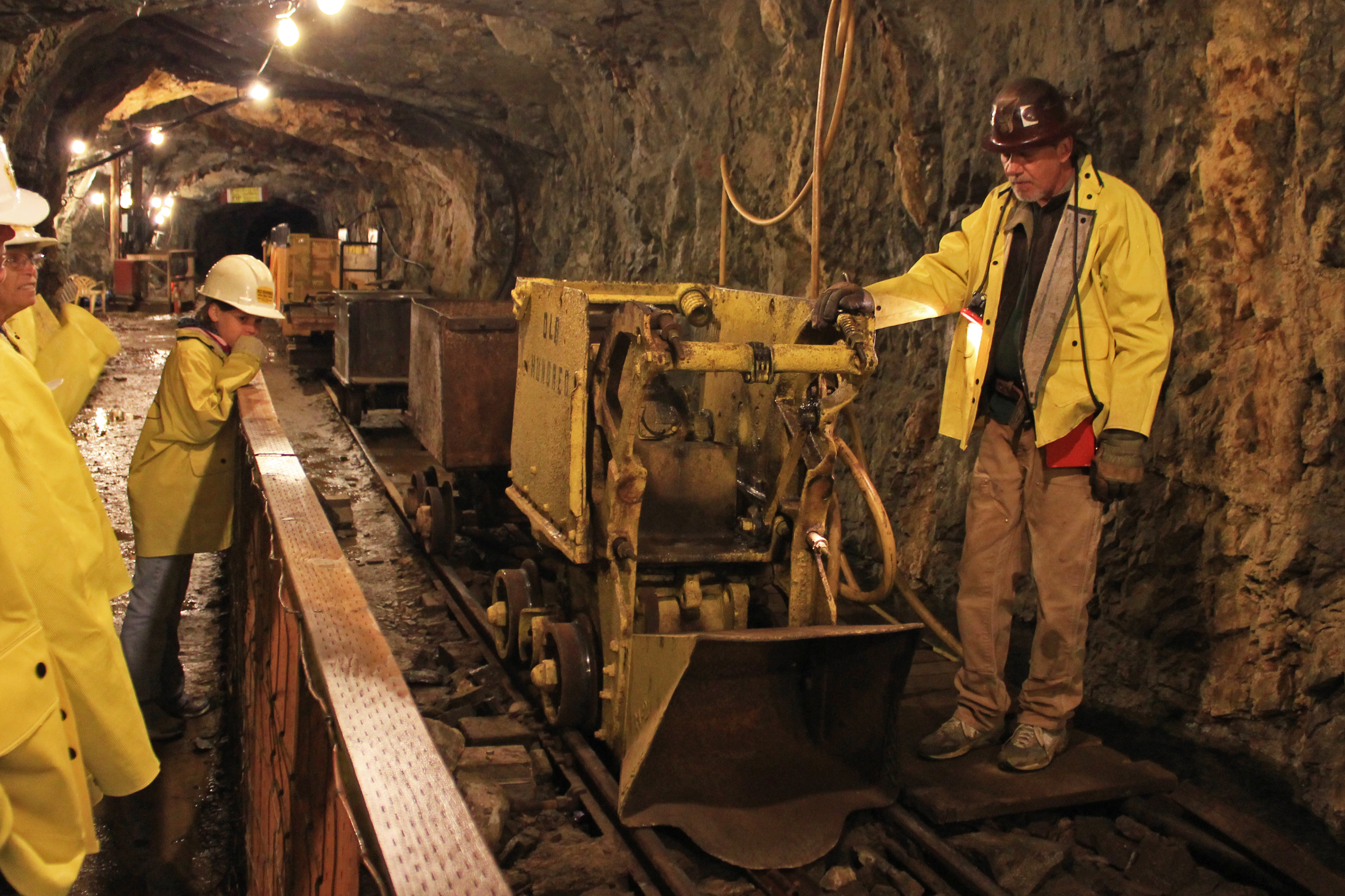 SAfrican gold mines set date for wage talks – Alive2green