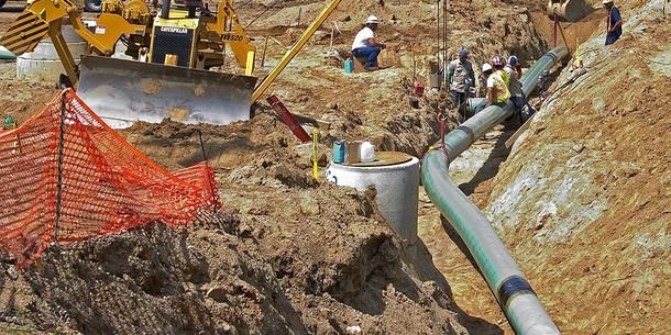 large_pipeline_construction_42538623-o1