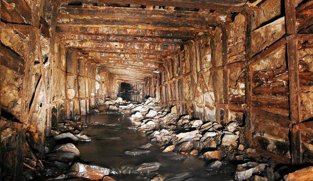 Mining iron