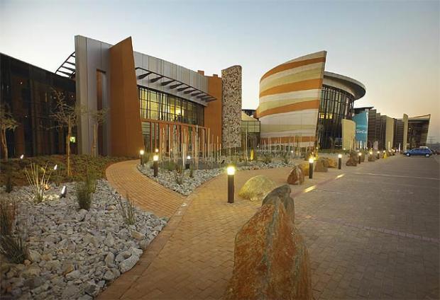 green-retrofitting-green-building